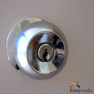 locksmith-door-knob-installation-everyworks-singapore-handyman-tanah-merah