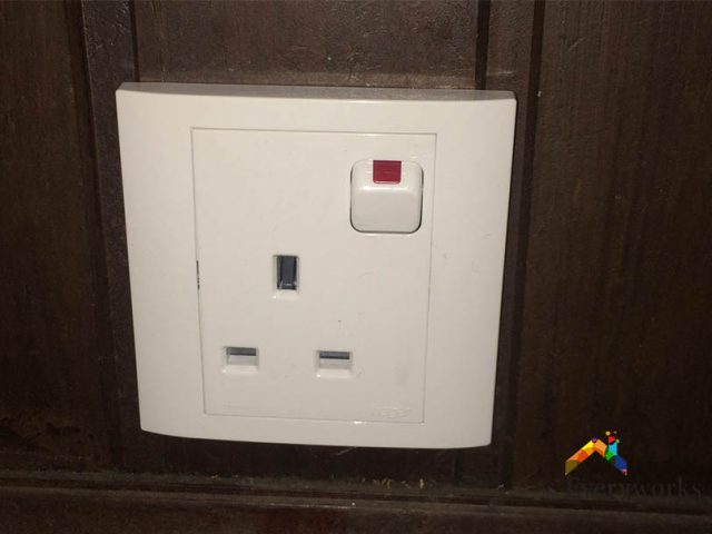 Change Power Sockets & Switches Electrician Singapore – HDB, Commonwealth