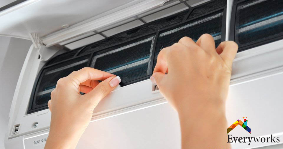 Aircon-Cleaning-everyworks-Aircon-Servicing-Singapore_wm