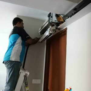 aircon-servicing-hdb-tampines-everyworks-singapore-4