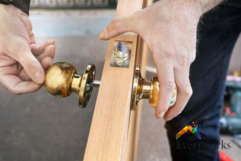 door-knob-repair-service-a1-handyman-singapore