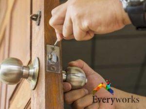 door-repair-service-tubular-latch-a1-handyman-singapore-3
