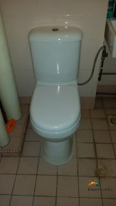 Clear-toilet-bowl-choke-and-replace-new-toilet-bowl-plumber-singapore-HDB-clementi-3_wm