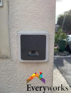 doorbell-switch-replacement-landed-property-bedok-everyworks-electrician-singapore-1-wmm