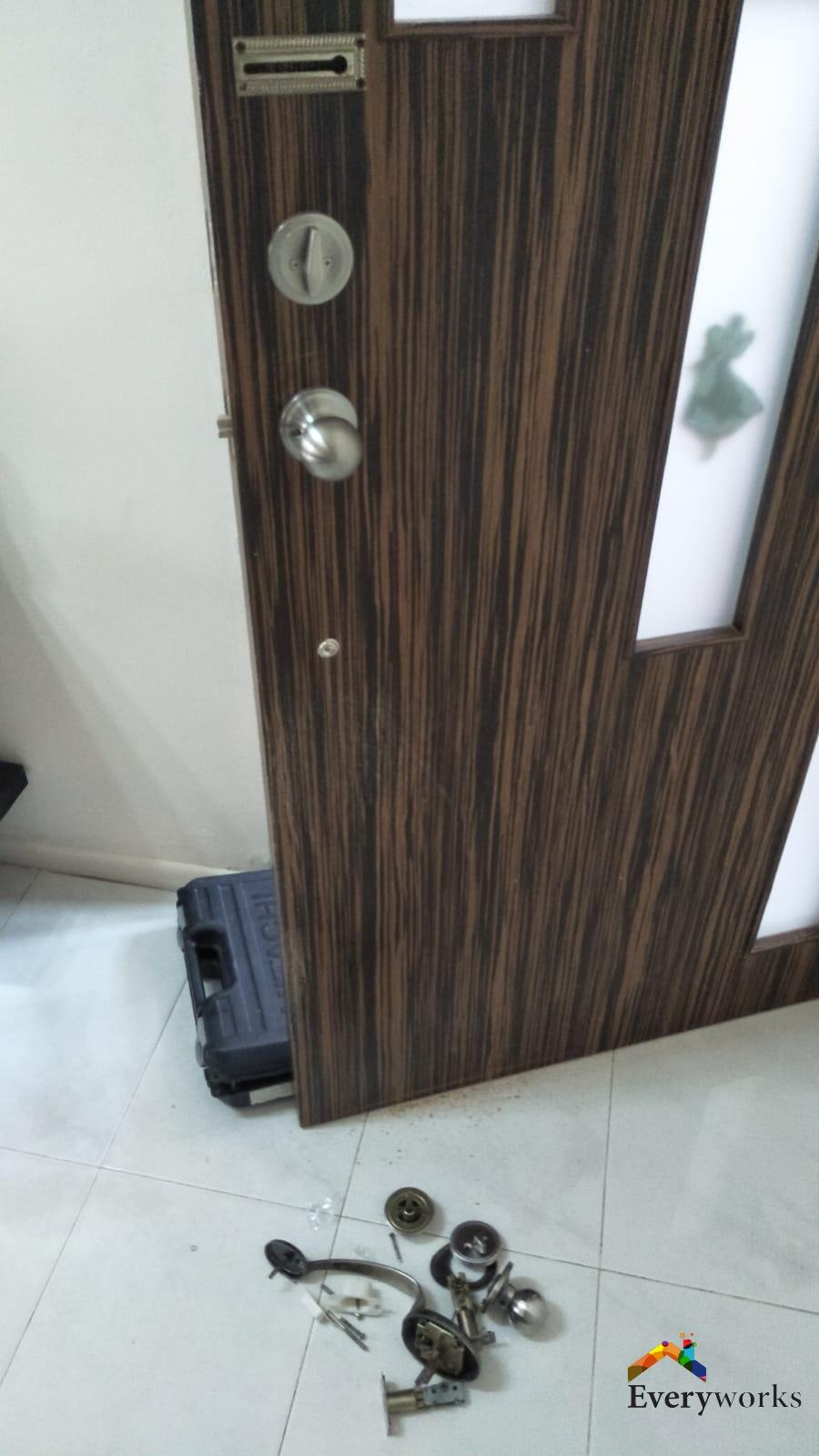 replace-old-room-door-lock-singapore-condo-marine-parade-2_wm
