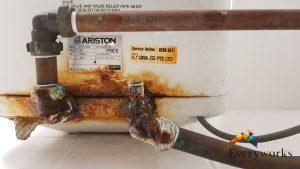 Inspection-leaking-Ariston-storage-water-heater-tank-plumber-singapore-HDB-Bishan-1_wm