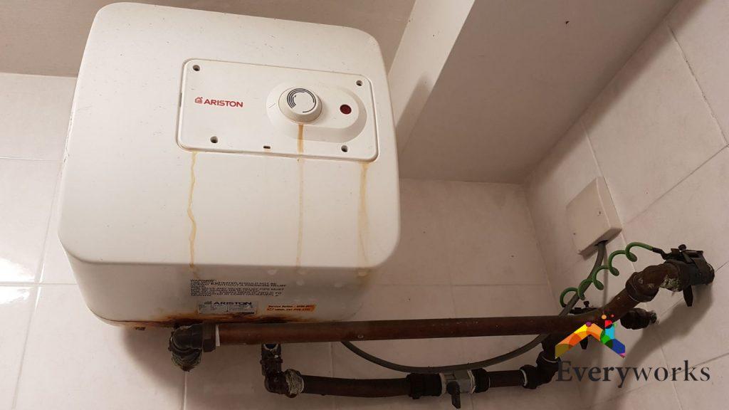 Inspection-leaking-Ariston-storage-water-heater-tank-plumber-singapore-HDB-Bishan-2_wm