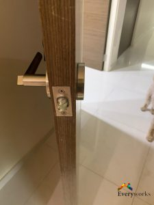 door-handle-replacement-singapore-hdb-punggol_wm