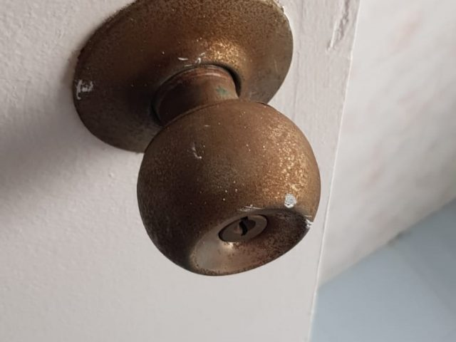Rusty Door Knob Replacement Handyman Singapore – HDB Empress Road