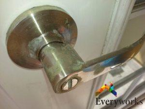 choose-good-door-locks-door-lock-installation-mistakes-everyworks-handyman-singapore