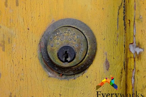 deteriorated-door-lock-repair-services-everyworks-handyman-singapore
