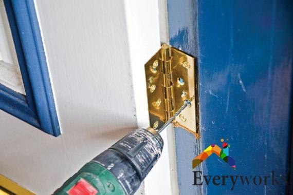 door-hinge-repair-services-everyworks-handyman-singapore