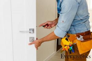 repairing-door-lock-door-lock-installation-everyworks-handyman-singapore
