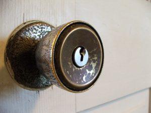 rusty-knob-door-lock-installation-everyworks-handyman-singapore