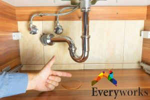 checking-pipes-pipe-leak-everyworks-plumber-singapore