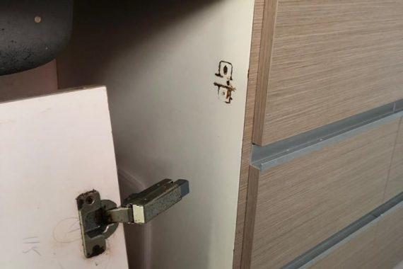 damaged-cabinet-hinge-drilling-services-everyworks-handyman-singapore