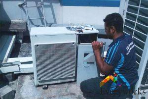 aircon-technician-aircon-gas-top-up-everyworks-aircon-servicing-singapore