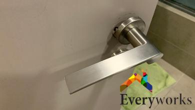 new-door-handle-installation-replacement-repair-everyworks-handyman-services-singapore_wm