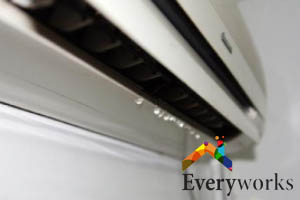 water-leaks-aircon-gas-top-up-everyworks-aircon-servicing-singapore
