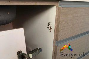 broken-cabinet-hinge-drilling-services-everyworks-handyman-singapore