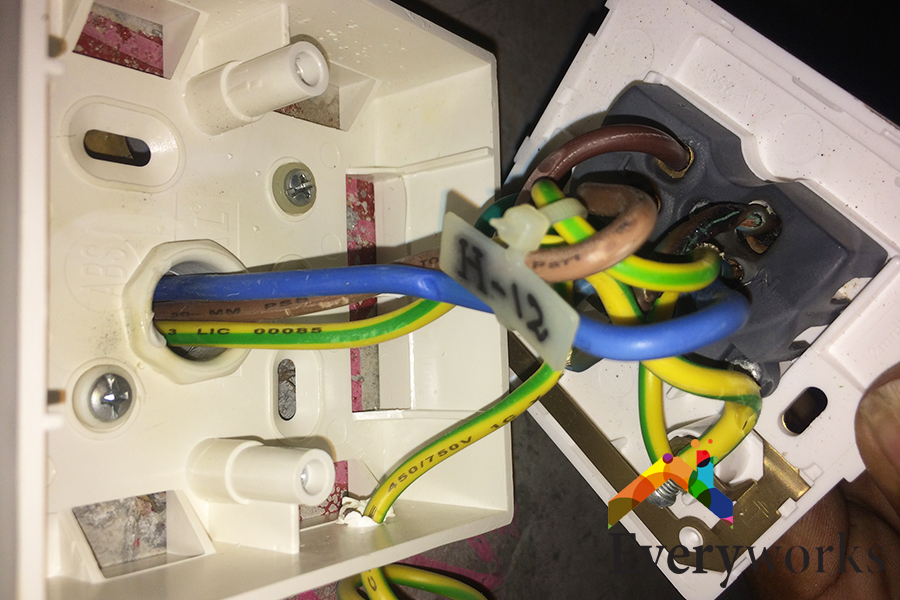 exposed-wires-electrical-wiring-everyworks-electrician-singapore