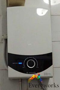 instant-ariston-water-heater-serivces-everyworks-plumber-singapore