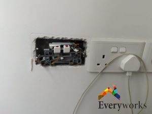 power-socket-replacement-power-socket-service-electrician-singapore-condo-clementi-2_wm