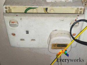 power-socket-replacement-power-socket-services-electrician-singapore-hdb-rochor-1_wm