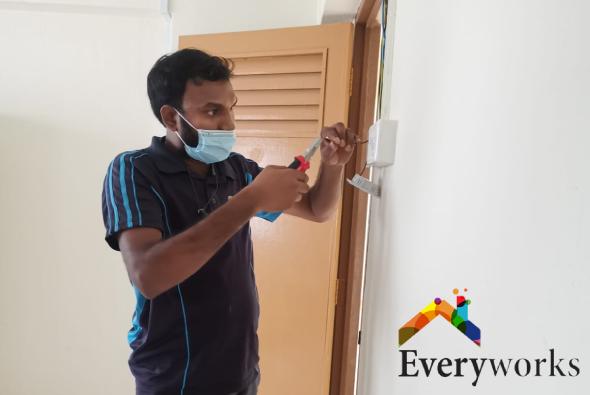 everyworks-electrician-careers-photo-everyworks-singapore_4
